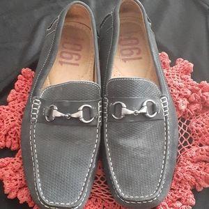 1901 dark gray horsepit loafers.